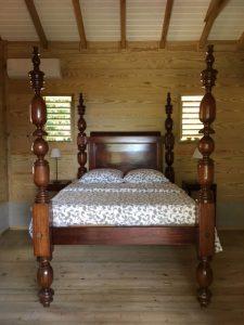 Location de gite avec mobilier traditionnel en Guadeloupe